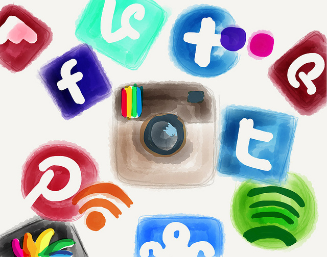 15 Easy Tips On How To Communicate Effectively With Your Customers In Social Media