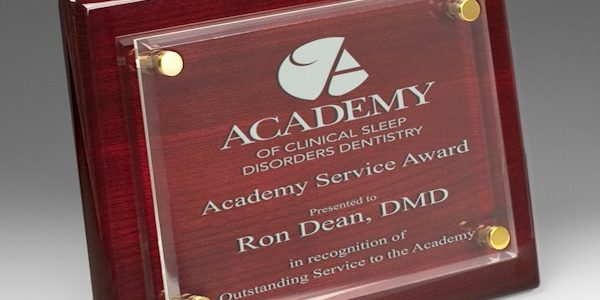 How to use Award Plaques to motivate your employees